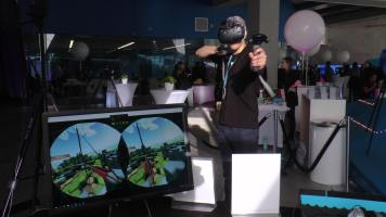 An interactive virtual reality (VR) demonstration station provided great insight into what the future of Sandbox by DMZ's programming will be like. (Photo credit: Anna Cianni/RUtv News)