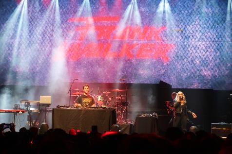 Frank Walker & Riley Biederer - iHeartRadio FanFest